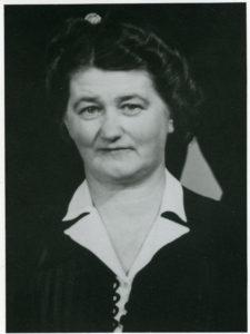 Porträtt av kvinna i 55-årsåldern.