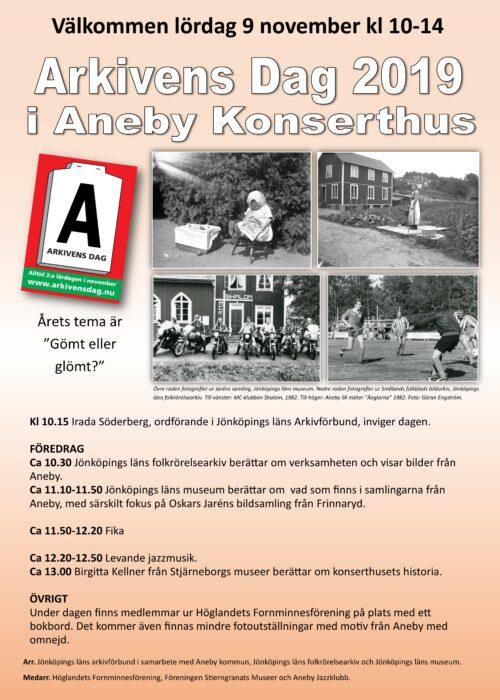 Affisch rörande Arkivens Dag 2019 i Aneby. Vit text mot gul botten. Fyra fotografier på affischen.